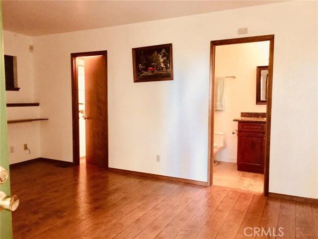 23830 Lakeview Drive Crestline, CA 92325 - MLS #: CV17233028