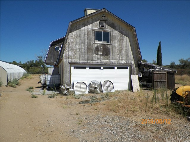 36770 Old Cary Road, Anza CA: http://media.crmls.org/medias/23ca6eca-b8cb-47a6-92cc-cc807daa9687.jpg