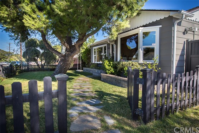 Single Family Home for Sale at 1940 Orange St Costa Mesa, California 92627 United States