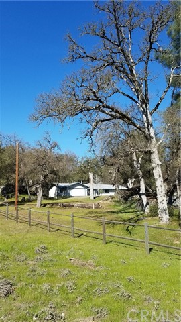2764 Buck Pass Road, Mariposa CA: http://media.crmls.org/medias/23d1ef62-c65c-4051-9339-af5c8e7a30c0.jpg