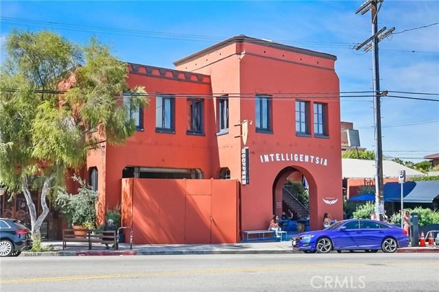 1042 Hyperion Avenue, Los Angeles CA: http://media.crmls.org/medias/23d38460-789b-44e6-8d03-654d59094ddc.jpg