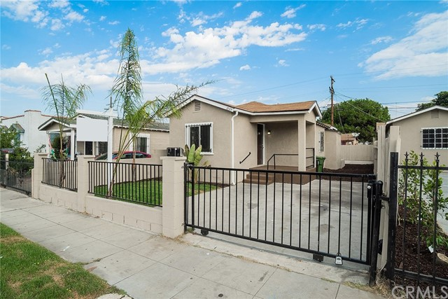 1035 66th Street Los Angeles CA 90044