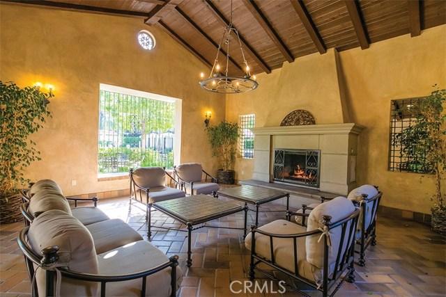 40 Gardenpath, Irvine CA: http://media.crmls.org/medias/23ec787a-a1ba-4175-82d7-992f6633ea4c.jpg