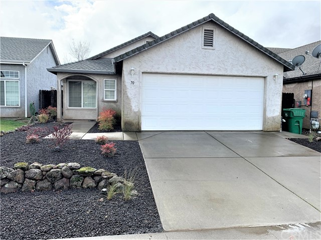 70 Lacewing Court, Chico CA: http://media.crmls.org/medias/24063be9-790e-46d0-8637-5a6de399d365.jpg