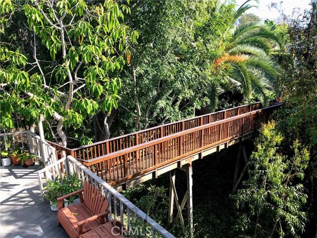 520 Oak Street, Laguna Beach CA: http://media.crmls.org/medias/241e773a-5112-4d9c-a3e4-4550bef328b5.jpg