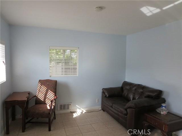 828 N Lucia Avenue, Redondo Beach CA: http://media.crmls.org/medias/2420a056-6019-460a-9e00-5384b6bc57de.jpg