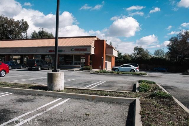 936 W Foothill Boulevard, Claremont CA: http://media.crmls.org/medias/24321a65-6f71-4977-a207-b6663aac1a14.jpg