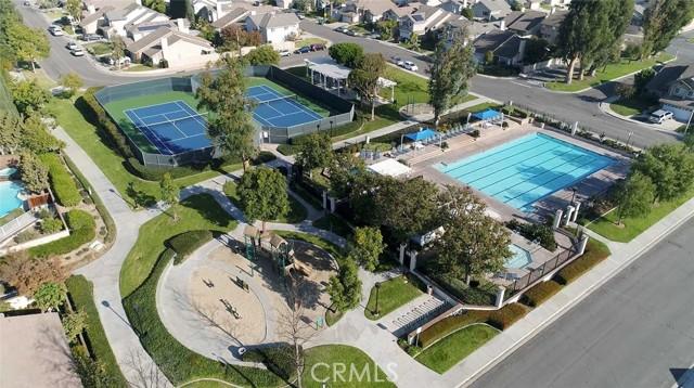 22 Phillipsburg, Irvine CA: http://media.crmls.org/medias/24424549-d9d1-41e1-b464-364b14f358f1.jpg