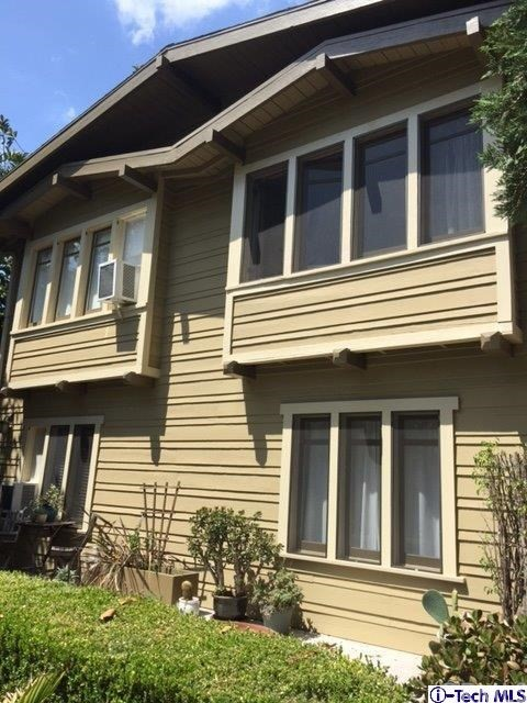 Single Family for Sale at 1078 Kensington Road W Los Angeles, California 90026 United States