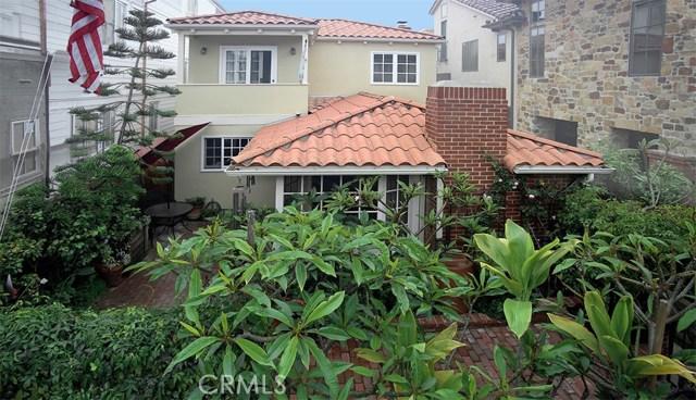 207 Emerald Avenue, Newport Beach, CA 92662