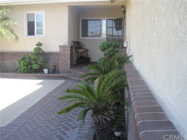 1402 W Apollo Av, Anaheim, CA 92802 Photo 3