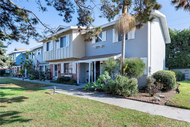 Photo of 10242 Holburn Drive, Huntington Beach, CA 92646
