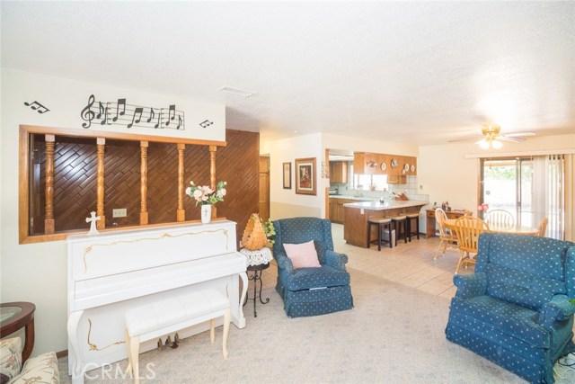 7839 Windsor Avenue, Hesperia CA: http://media.crmls.org/medias/246e1196-dbf8-49ad-a65e-0f34ef091194.jpg