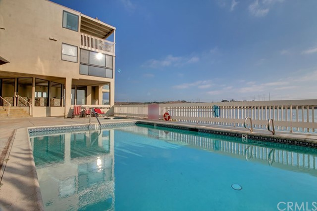 4513 Cove Drive, Carlsbad CA: http://media.crmls.org/medias/246e61c7-70c0-4300-b403-7b87fd1a2345.jpg