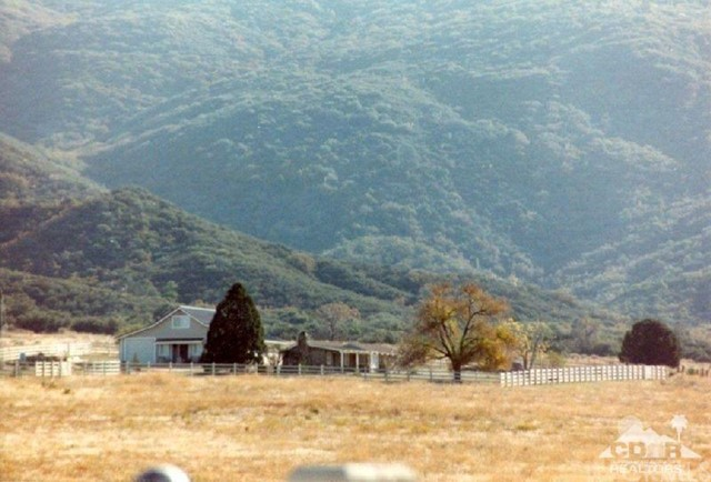 Single Family Home for Sale at 61489 Burnt Valley Road Road Anza, California 92539 United States