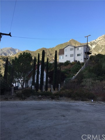 680 Big Rock Road, Lytle Creek CA: http://media.crmls.org/medias/24811c83-f52b-45cb-8958-ce326f35e0a2.jpg