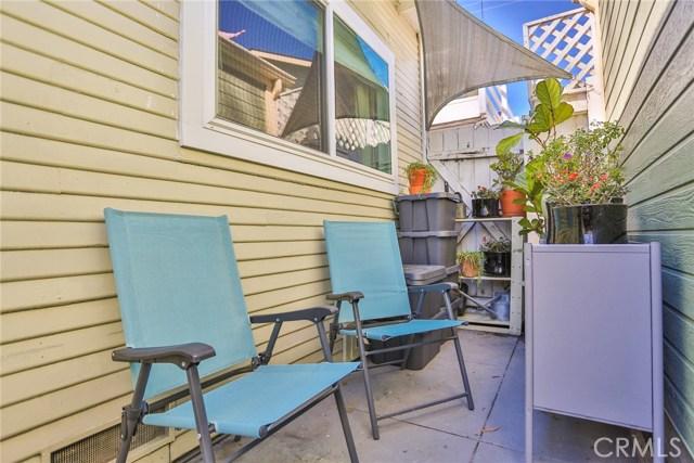 3615 E 8th Street, Long Beach CA: http://media.crmls.org/medias/249009ec-4232-4216-94c5-214abeee2833.jpg