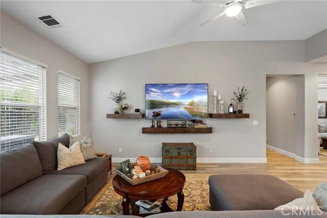 40232 Saddlebrook Street, Murrieta CA: http://media.crmls.org/medias/24947c05-4912-46b3-8707-9252bda1a226.jpg