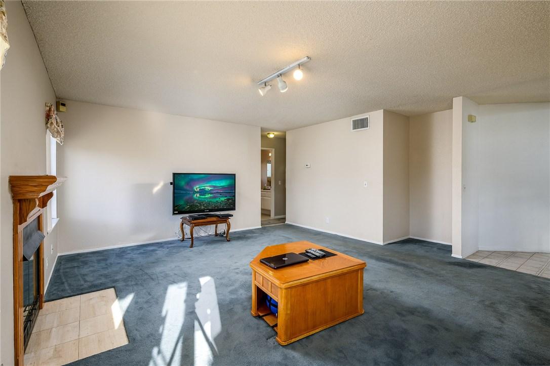 10271 Canyon Vista Road, Moreno Valley CA: http://media.crmls.org/medias/24994a4b-2d7e-4e07-be6f-3876923b934e.jpg
