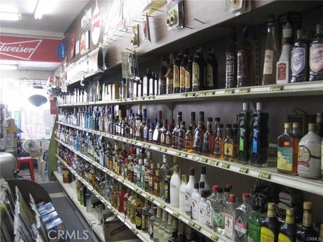 1441 Valinda Avenue, La Puente CA: http://media.crmls.org/medias/24a2a928-f118-4821-b2d8-5e0639d544ca.jpg