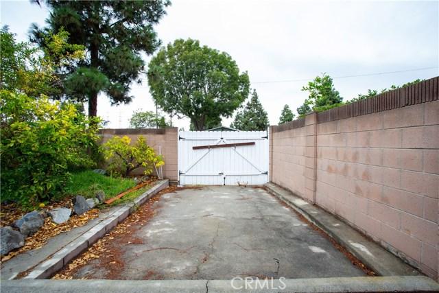 16631 Ross Ln, Huntington Beach CA: http://media.crmls.org/medias/24ac9a79-8cdf-4a9d-aaa1-a3d1f9ea0225.jpg