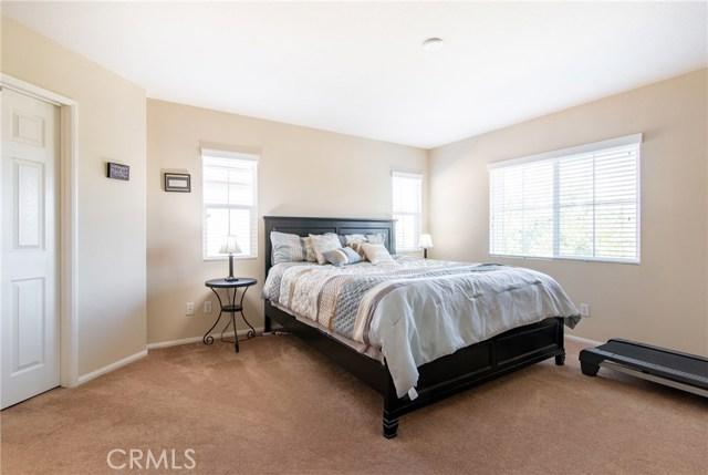 12960 Cobblestone Lane, Moreno Valley CA: http://media.crmls.org/medias/24b43f56-1dcd-459d-ab75-21a87a95ce4f.jpg