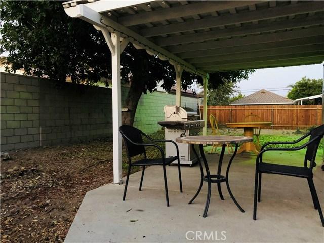 17876 Miller Avenue, Fontana CA: http://media.crmls.org/medias/24bc9734-539f-4a22-950e-ffbde251baae.jpg