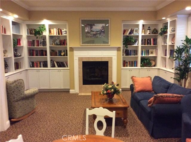 15723 Parkhouse Drive, Fontana CA: http://media.crmls.org/medias/24bcbfa3-e3e1-4801-929b-7d117698c661.jpg