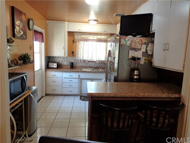 3944 N Frijo Avenue, Covina CA: http://media.crmls.org/medias/24bf702e-626f-4d74-9902-a226cdce545e.jpg