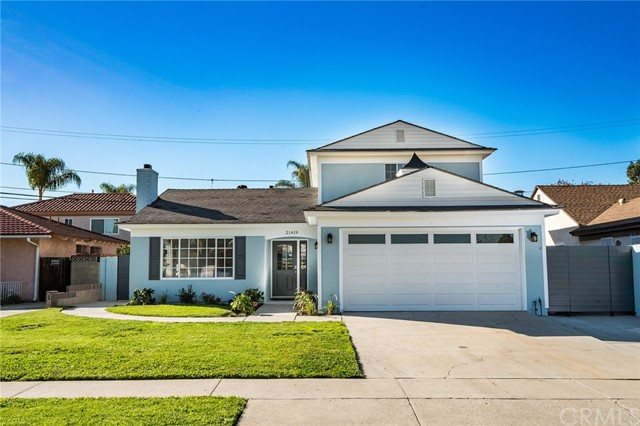 Casa Unifamiliar por un Venta en 21419 Weiser Avenue Carson, California 90745 Estados Unidos