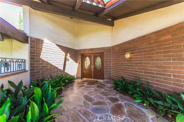 Casa Unifamiliar por un Venta en 8790 Los Coyotes Drive Buena Park, California 90621 Estados Unidos