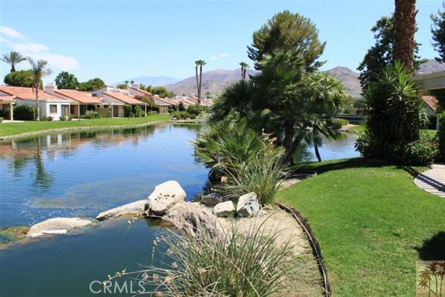 95 Tennis Club Drive, Rancho Mirage CA: http://media.crmls.org/medias/24c554cc-26ea-4e04-a7b7-b2aa7fdc7d00.jpg
