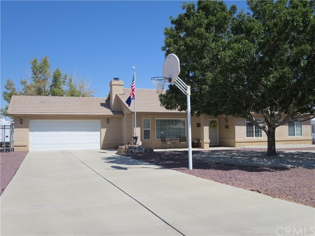 22194 Broken Lance Road Apple Valley, CA 92307 - MLS #: CV17214929