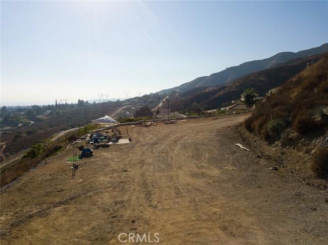 19 E 26th Street, Upland CA: http://media.crmls.org/medias/24d7d7f0-8834-42a6-9024-75b0012ec0f5.jpg
