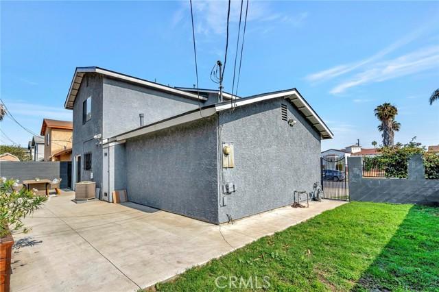 850 E 116th Place, Los Angeles CA: http://media.crmls.org/medias/24e1c474-986e-4105-89aa-c81fd62c0d11.jpg