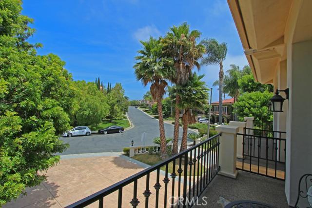 5 Riverstone, Laguna Niguel CA: http://media.crmls.org/medias/24ef1a41-fc2e-44ff-aa0d-1b224fcd1cd9.jpg