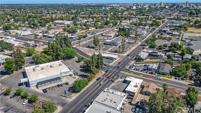 1625 E Olive Avenue, Fresno CA: http://media.crmls.org/medias/24f0fe9a-d1ae-4995-9f25-75d543f80882.jpg