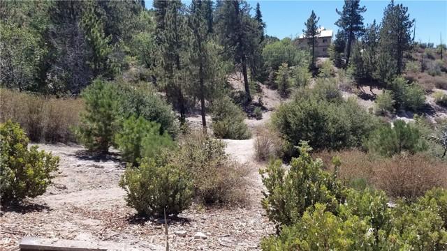 150 Trail End Road, Green Valley Lake CA: http://media.crmls.org/medias/24f65a0b-646d-471a-acd9-0b04c928124e.jpg