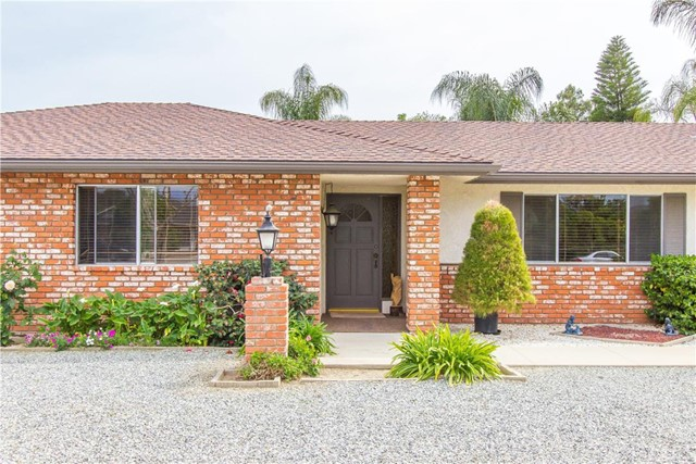 43155 Johnston Avenue Hemet, CA 92544 is listed for sale as MLS Listing SW16072189