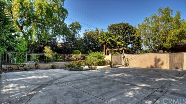 1411 Miramar Drive, Fullerton CA: http://media.crmls.org/medias/251134ad-651f-4158-8a8d-338c415a0d13.jpg