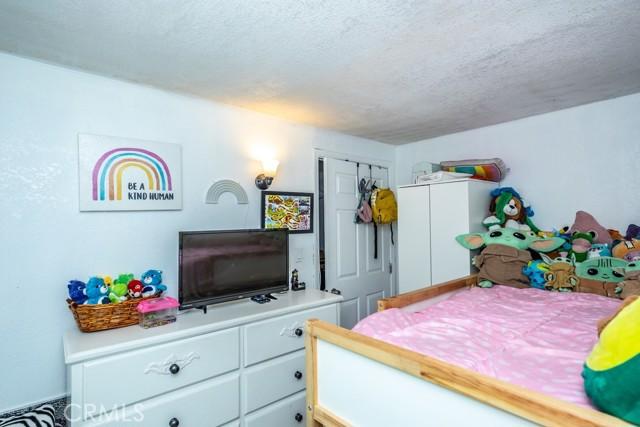 1305 W 35th Place, Los Angeles CA: http://media.crmls.org/medias/2517e8f9-d552-4cec-81af-d8f585e1c43c.jpg