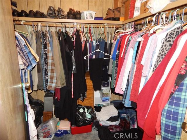 2200 W WILSON Street, Banning CA: http://media.crmls.org/medias/2531c768-bb65-46f7-8368-e29d6862ccce.jpg