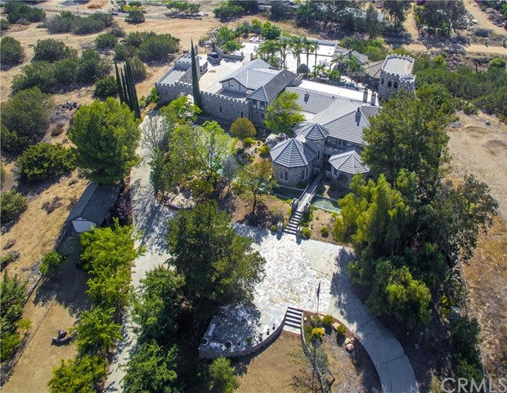 Property for sale at 18493 Halter Lane, Riverside,  CA 92504