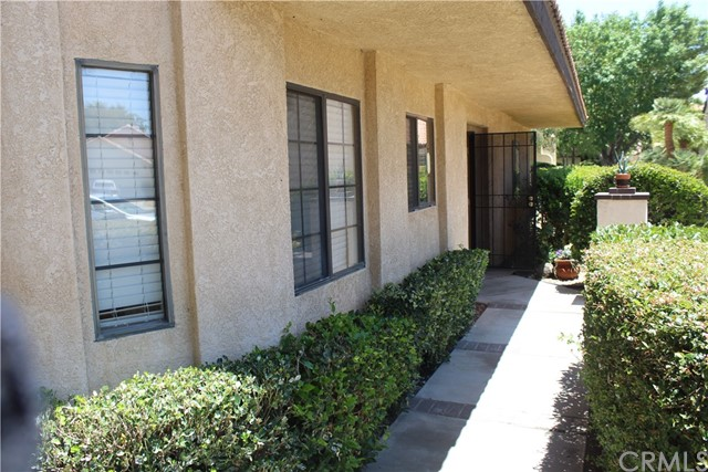 11591 Ash Street, Apple Valley CA: http://media.crmls.org/medias/2537bc84-70dd-451c-8de5-816c6e448e99.jpg