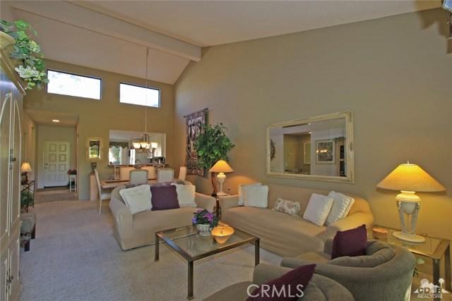 76235 Poppy Lane, Palm Desert CA: http://media.crmls.org/medias/253c8258-44e7-442c-b7a8-6c9e9d60dc0f.jpg