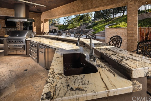 15929 Oak Tree, Chino Hills CA: http://media.crmls.org/medias/253cef72-c4d6-47d3-885c-f35849141d95.jpg
