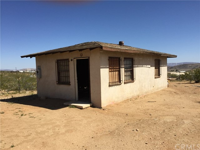2077 Wamego, Yucca Valley, CA 92284
