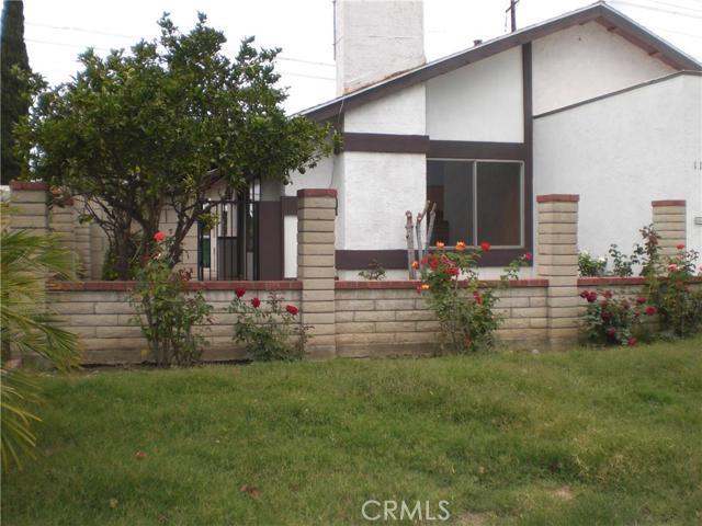 Single Family Home for Rent at 1121 West Alton St Santa Ana, California 92707 United States