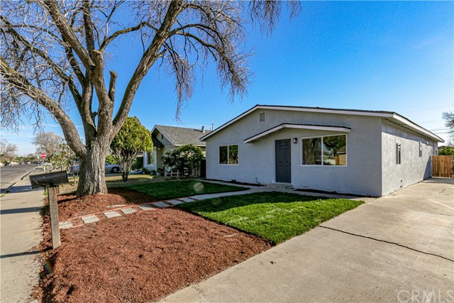 Detail Gallery Image 1 of 33 For 745 E St, Los Banos,  CA 93635 - 4 Beds | 2 Baths