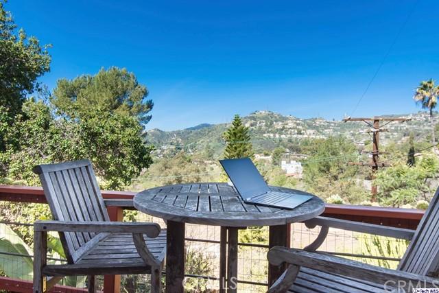3480 Linda Vista Road, Glendale CA: http://media.crmls.org/medias/2571943a-6bc5-4b88-b15d-03add7225bf8.jpg